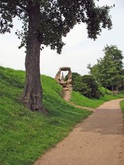 Im Wörlitzer Park (mit Sankt-Petri-Kirche)