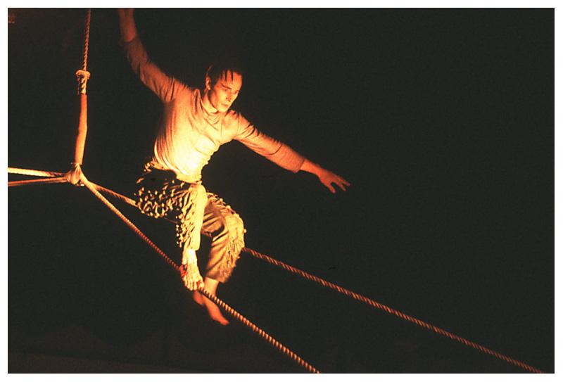 Im Zirkus: Abgang vom Steil (1)