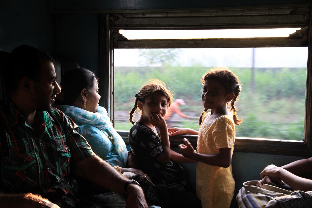 Im Zug von Colombo nach Kandy