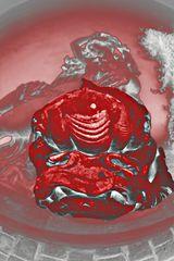 IMG_0358 Statue Frau auf Fisch roter Neonschein