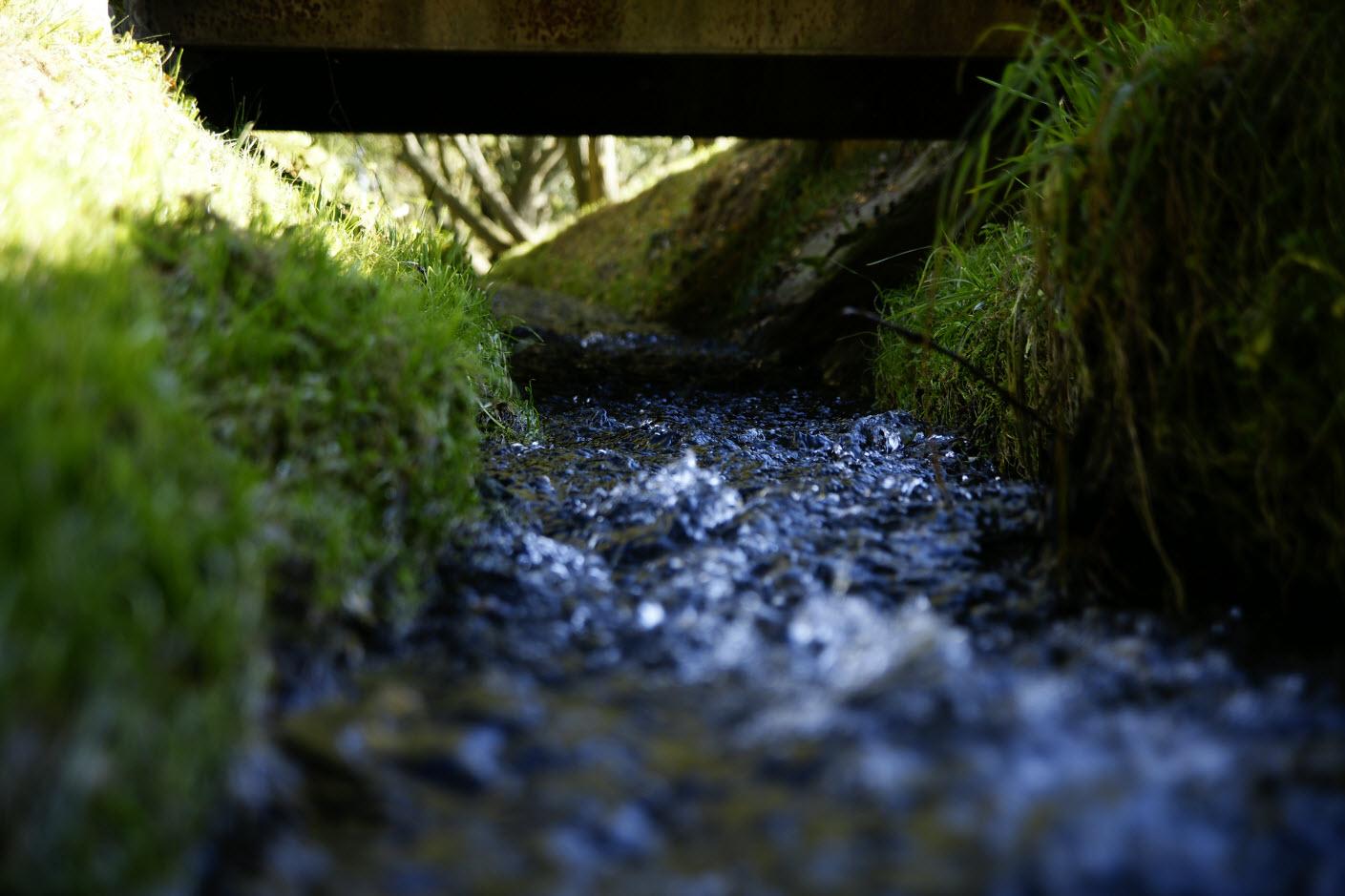 immer noch fließendes Wasser