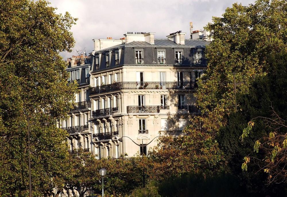 Immeuble de Paris qui a vue sur la Tour Eiffel