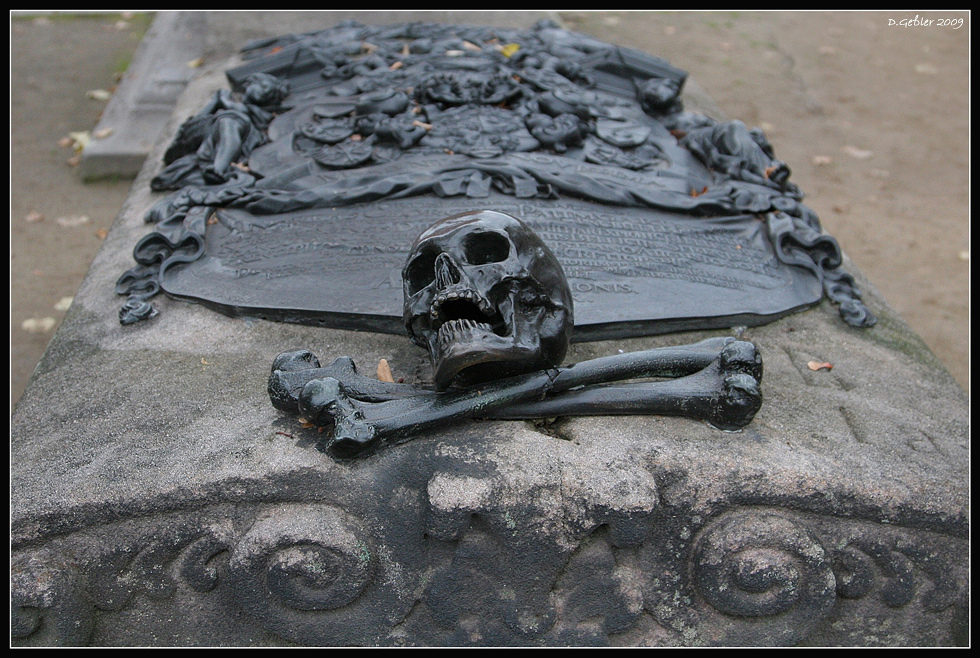 Impressionen aus Nürnberg - Johannisfriedhof -  1 - 2010