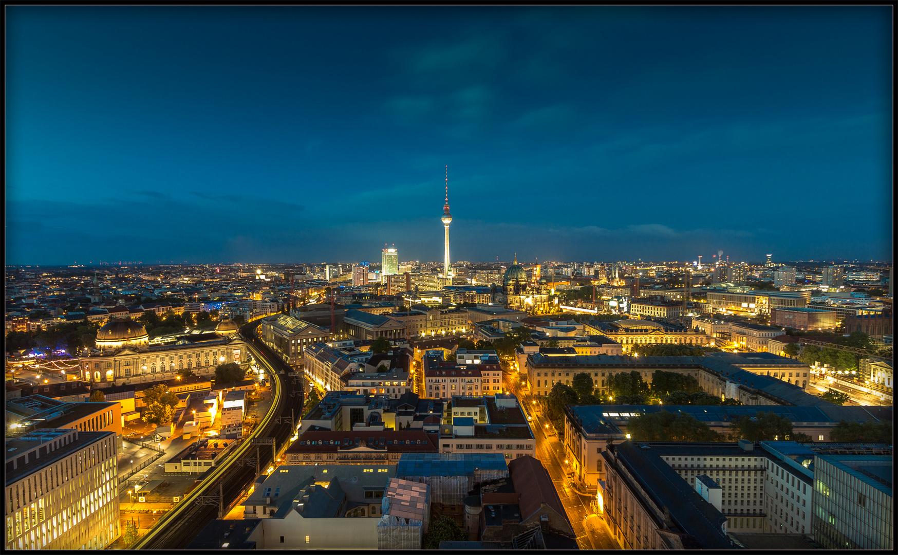 In Berlin gehen die Lichter an