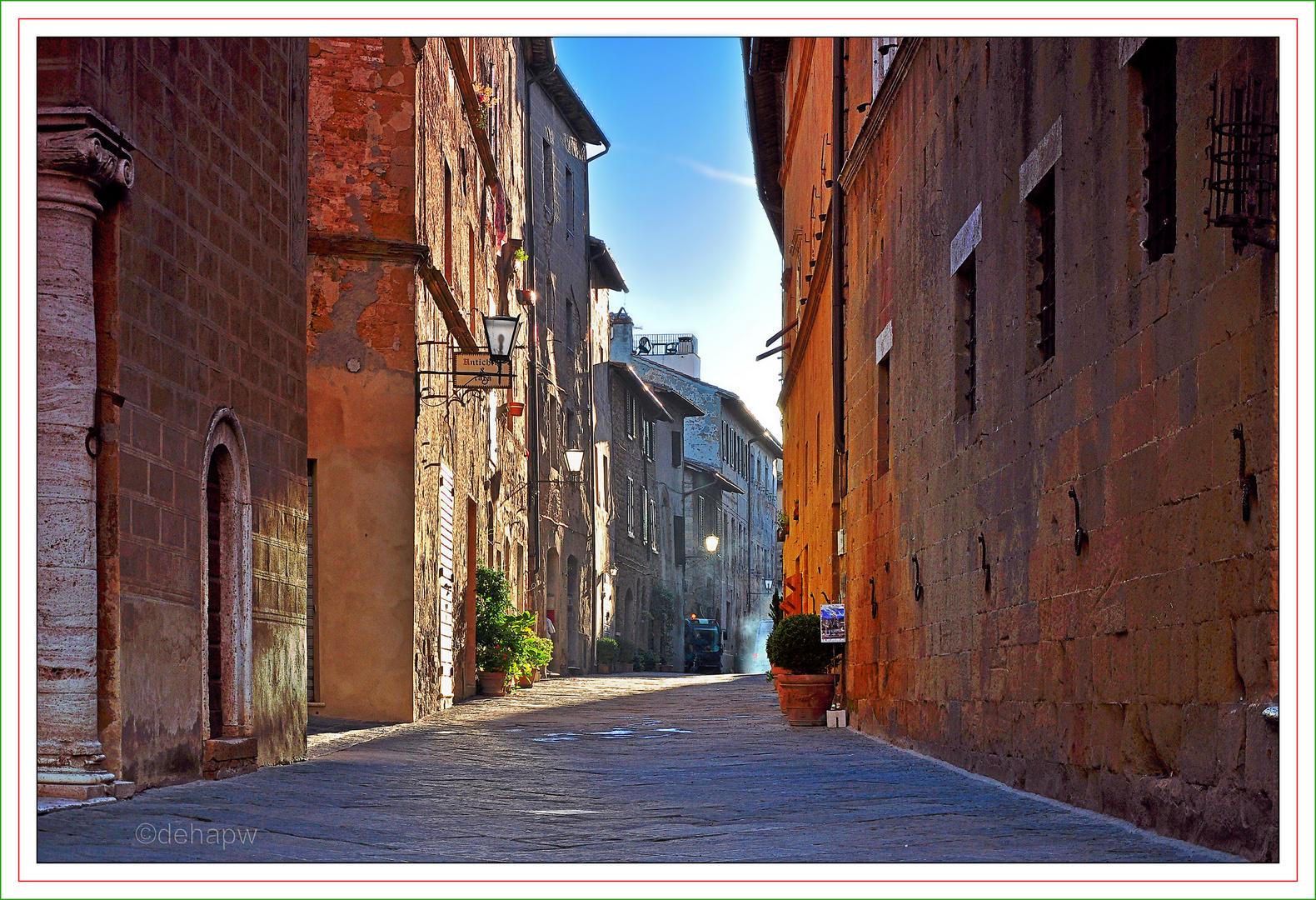 in den Gassen von Pienza / Toscana
