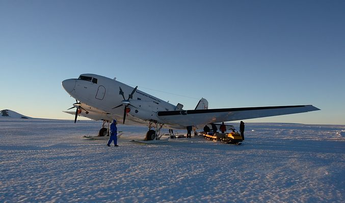 In der Antarktis, es war mal eine DC-3...