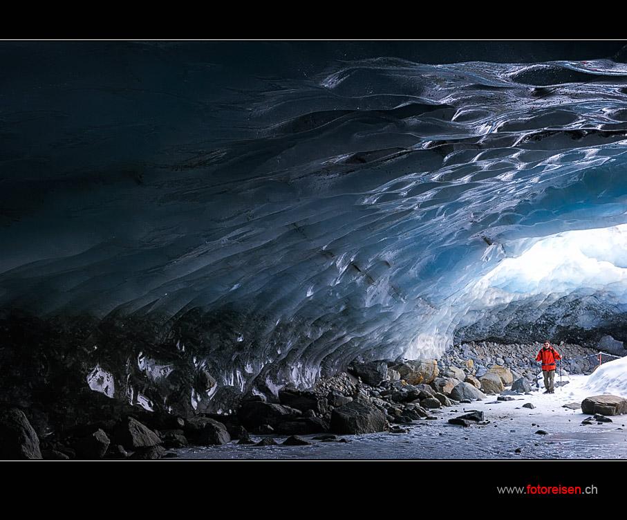In der Eishöhle des Morteratsch