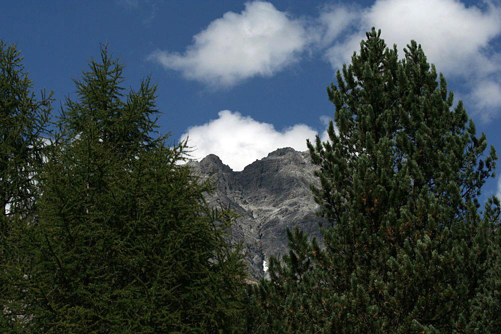 In der Höhe von 1810 m, S charl 3