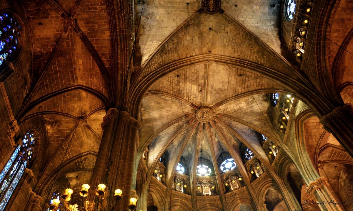 In der La Catedral de la Santa Creu i Santa Eulalia...