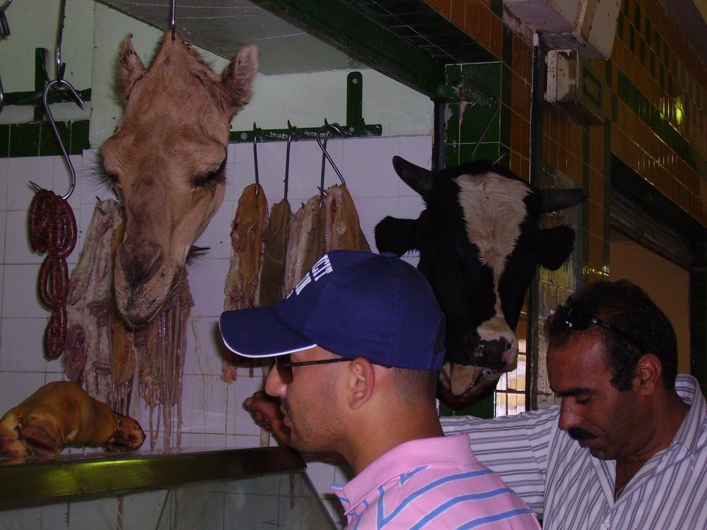 in der Markthalle von Tozeur, Tunesien