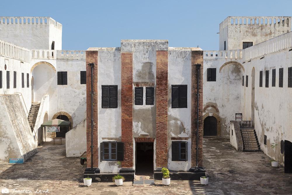 In der Sklavenburg von Elmina