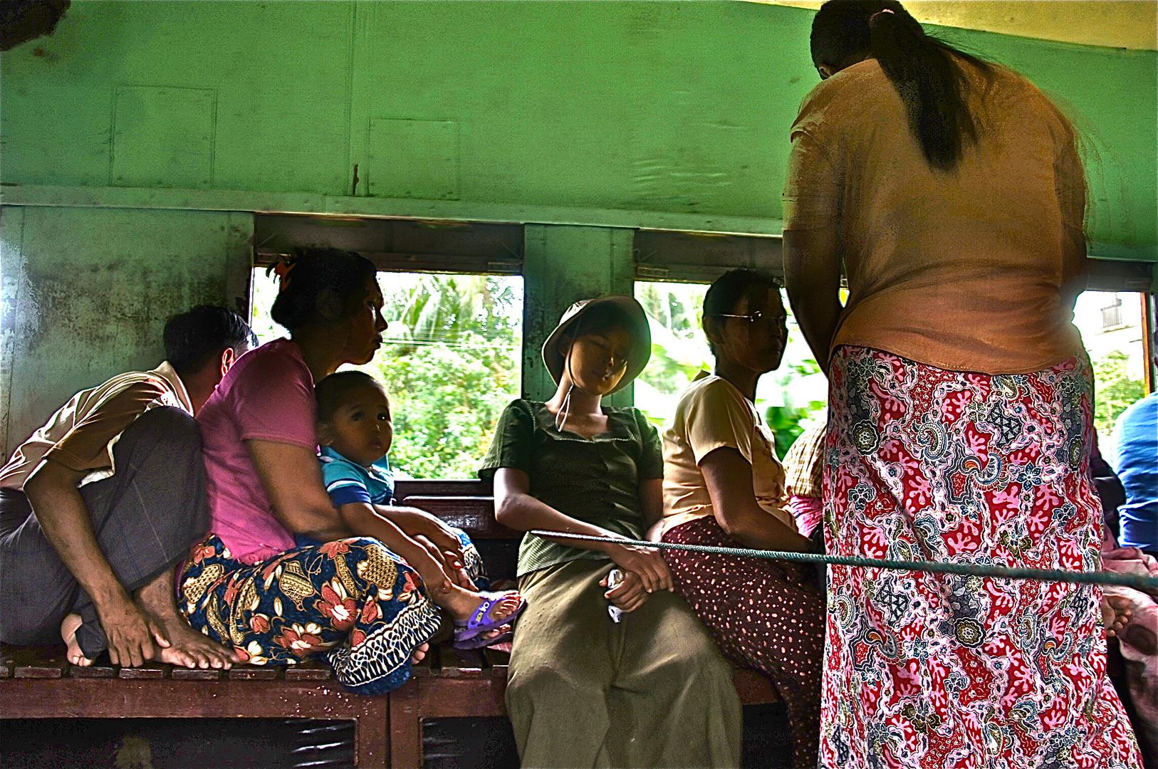 in der vororteline yangon, burma 2011