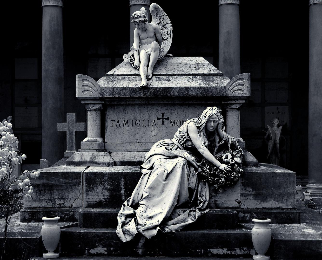 In ein Grab