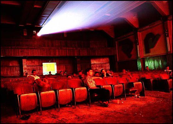 in einem arabischen Kino (Farbe)