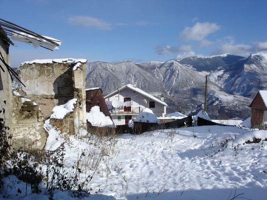 In einem Bergdorf