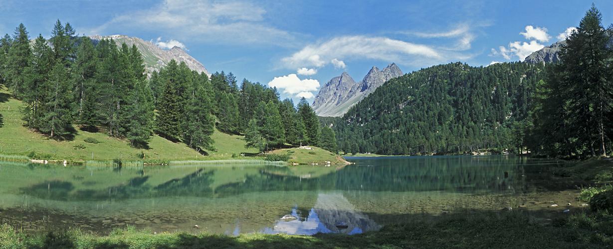 In einem glasklaren Alpenseechen