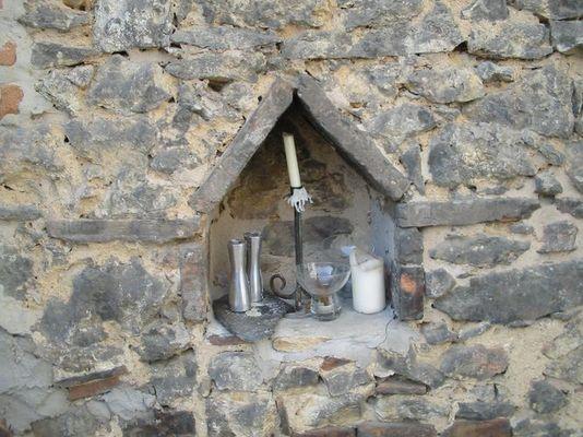 In einer alten Mauer