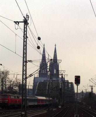in einge Minuten erreichen wir eine wunderbare Stadt am Rhein ;-) der Zug endet dort