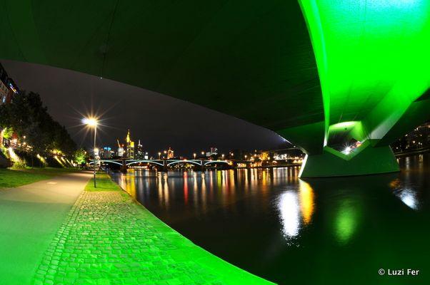 in Frankfurt gibt es nicht nur grüne Soße