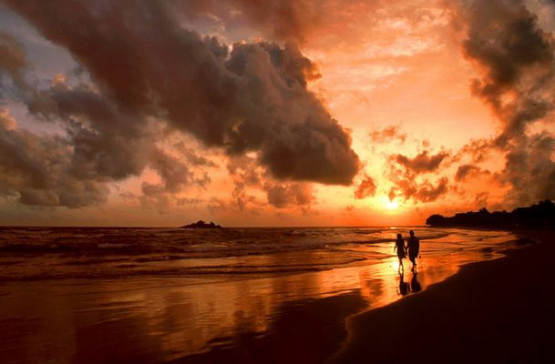 In Love - Sunset in Beruwala - by Richard Aicher