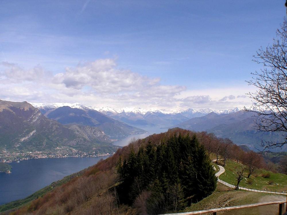 In mezzo al lago di Como