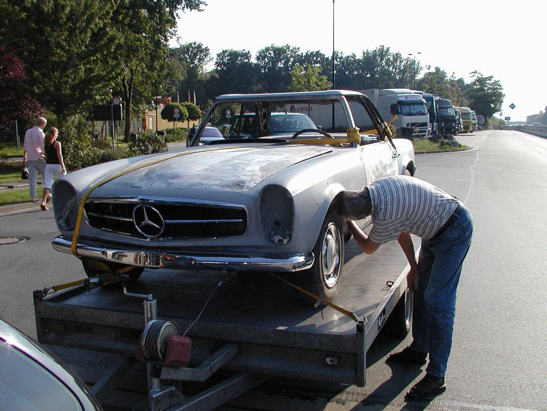 In Restauration Mercedes 230SL Pagode