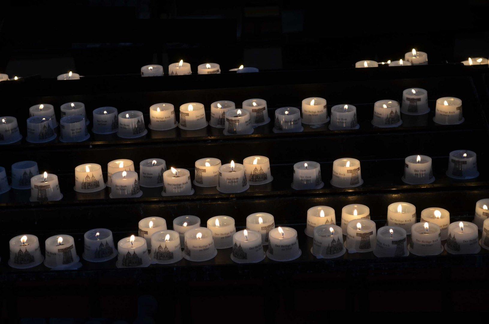 In schweren Zeiten eine Kerze anzünden