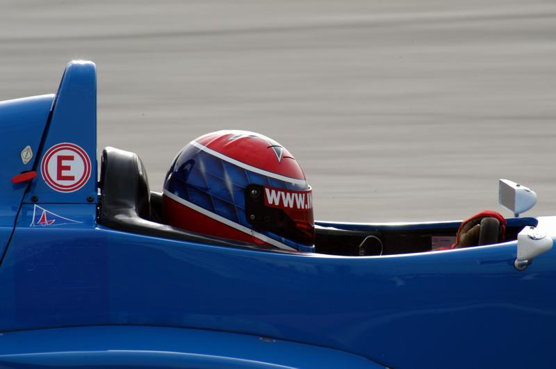 Ina Fabry in einem Formel Renault des SL Formula Racing Teams