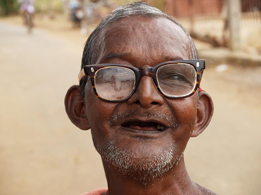 India del sud : uomo con occhiali