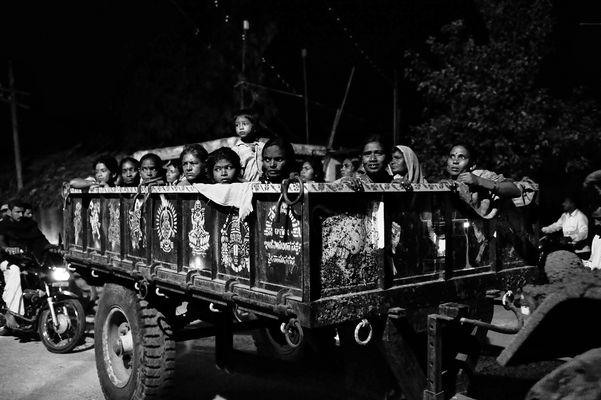 India Hampi Anegundi women coming back home