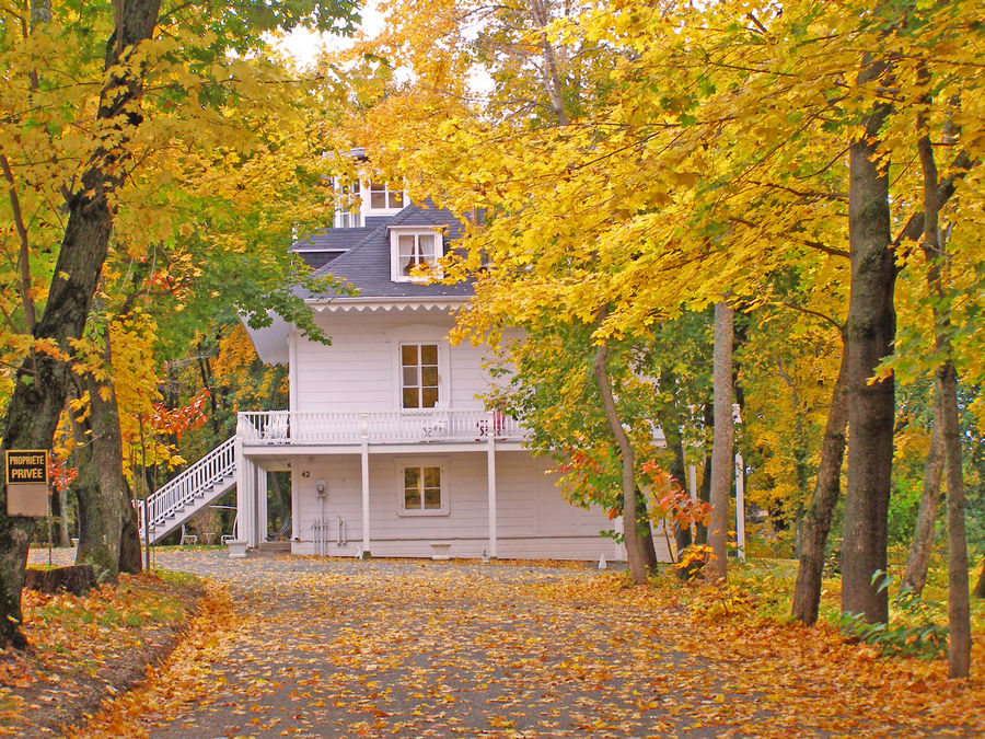 Indian Summer - House in the country