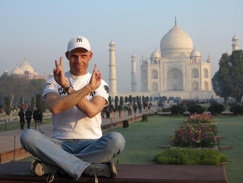 INDIEN - Big hello from Taj Mahal in Uttar Pradeshs