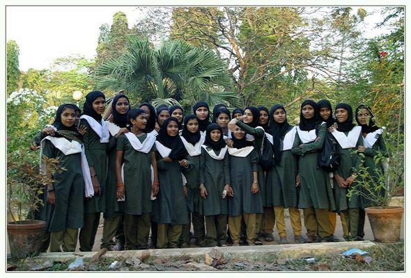 Indische Mädchen auf Klassenreise
