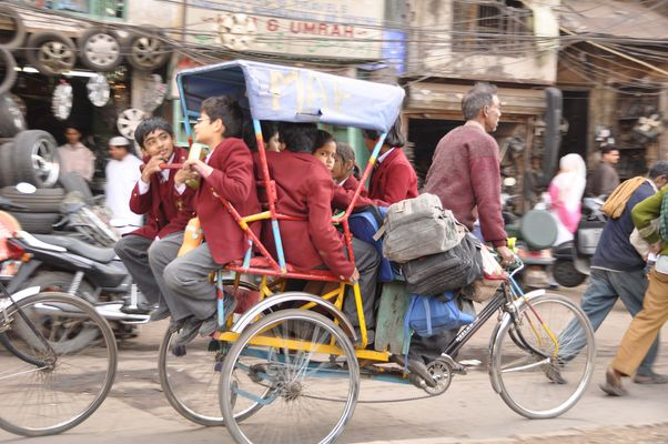 Indischer Schulbus...