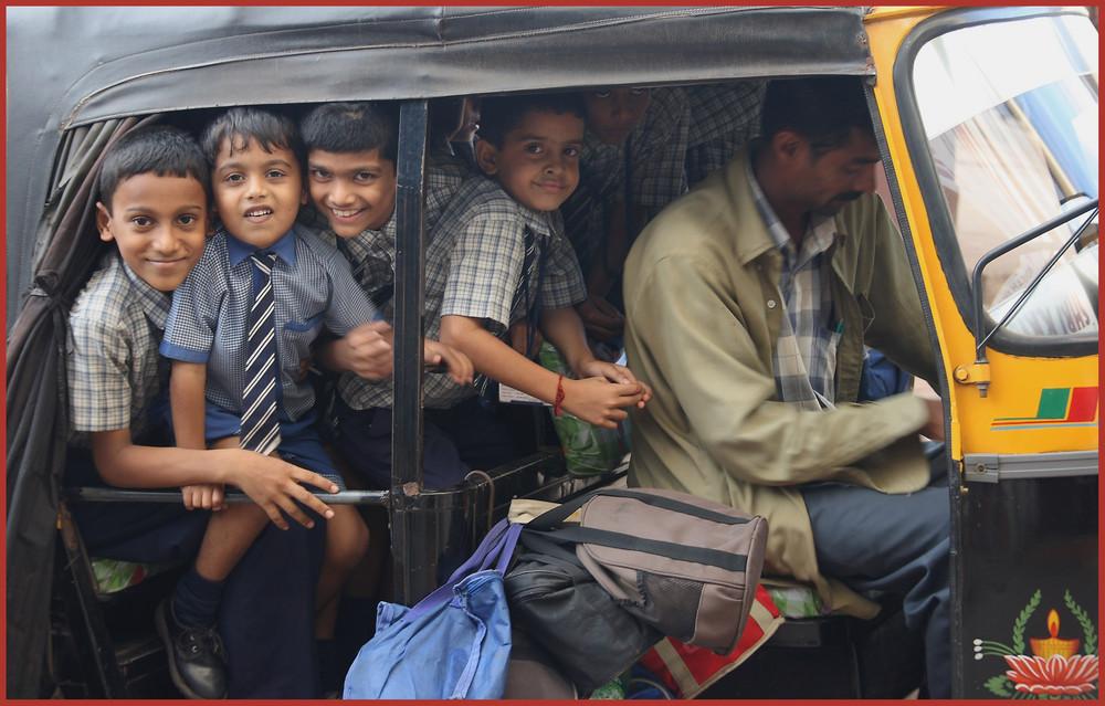 indischer Schulbus