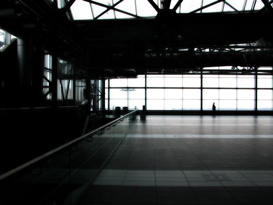 indoor_motion_airport