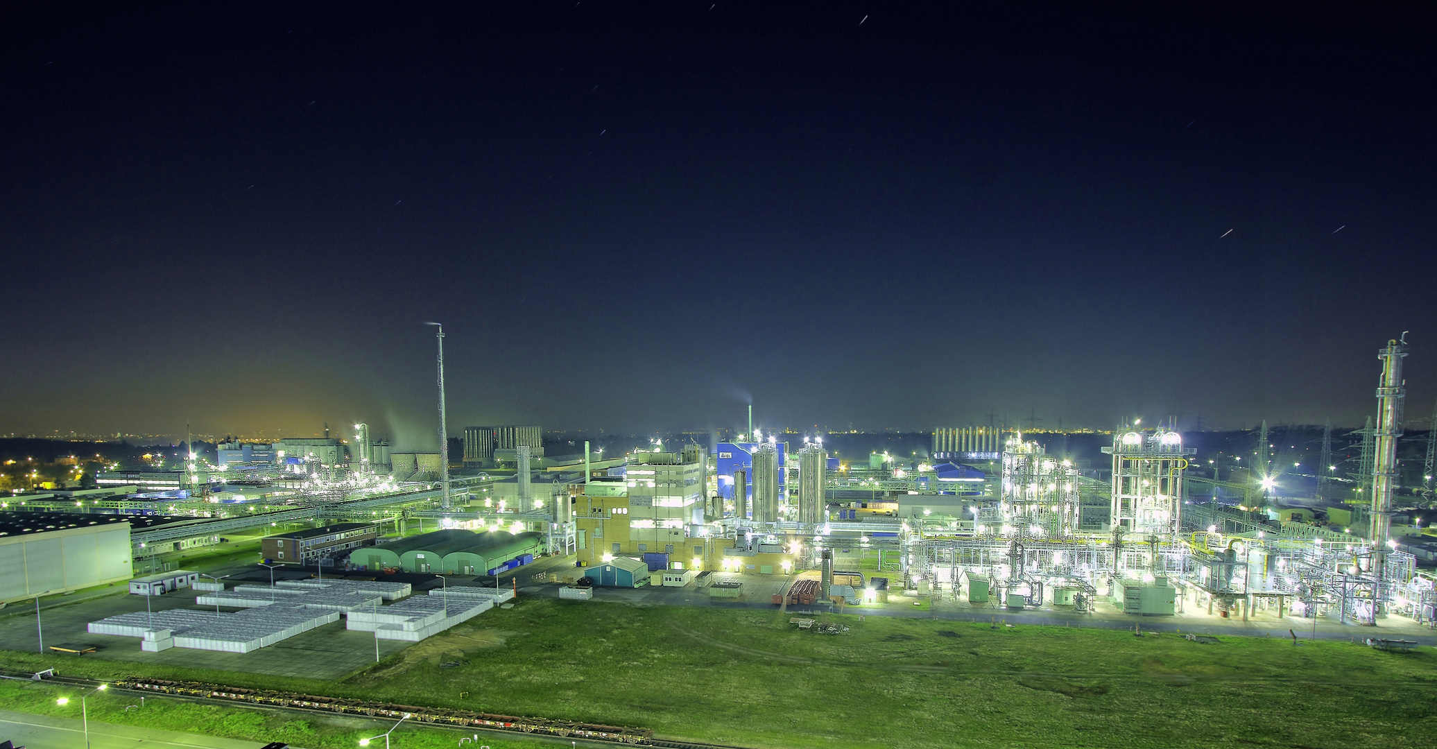 Industrie bei Nacht HDR