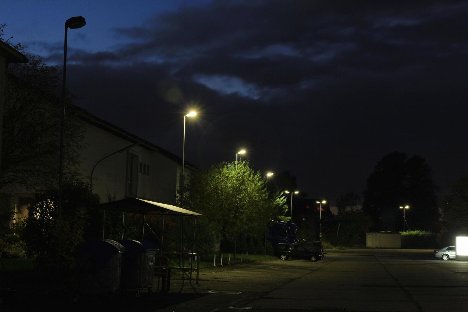 Industriegebiet, die Nacht kommt
