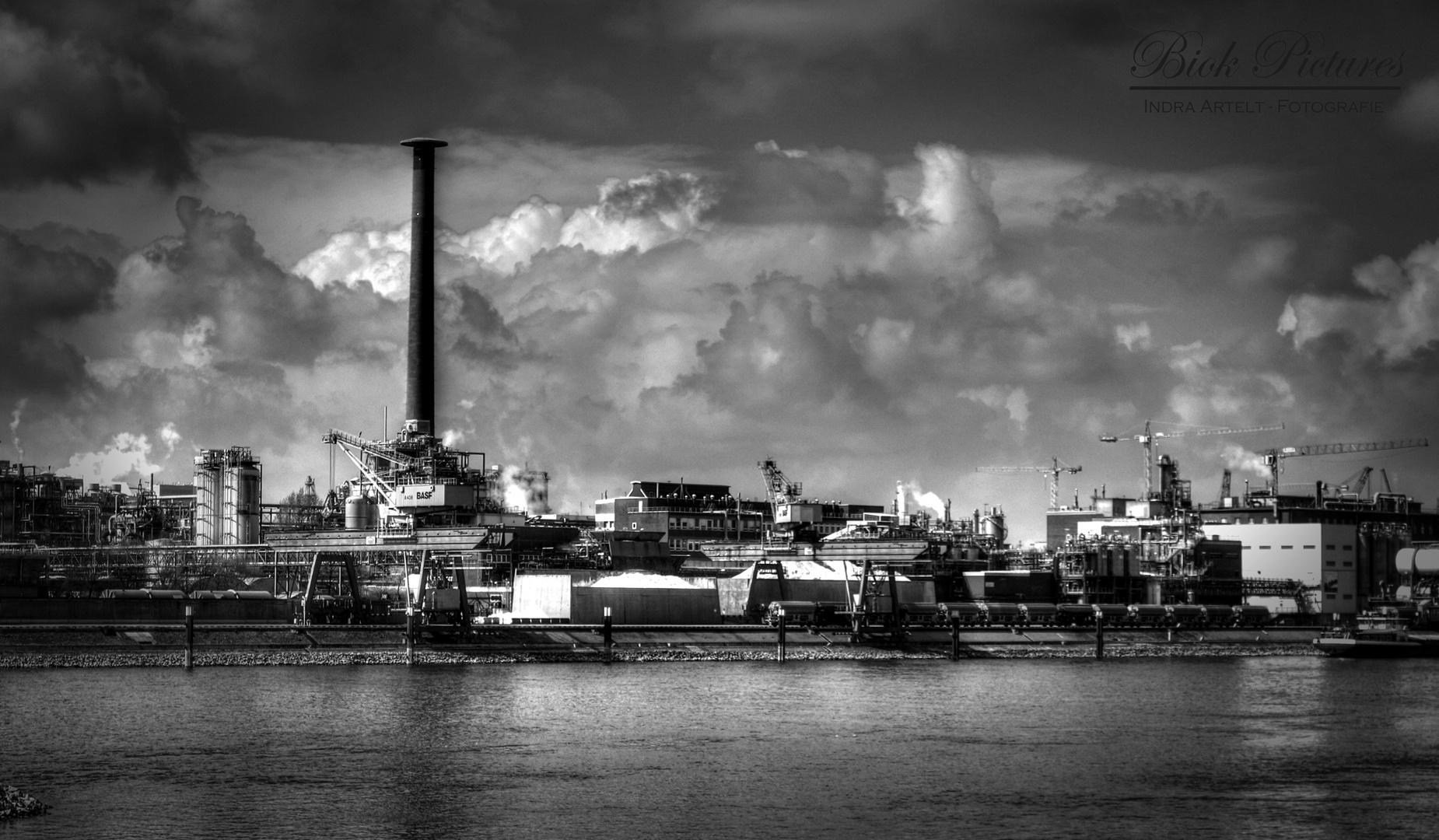 Industriehafen 1 Mannheim -2-