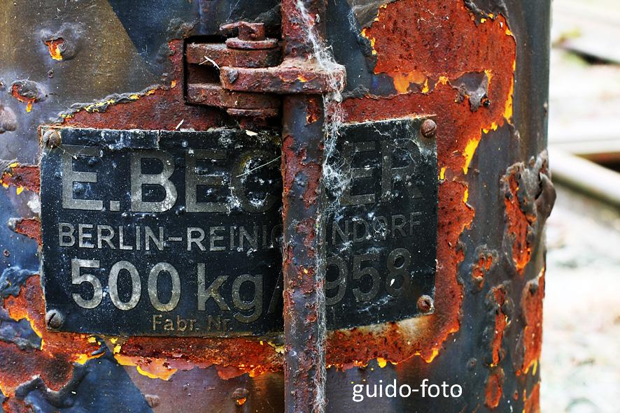 Industriekultur - Rostiges Schild in die Vergangenheit