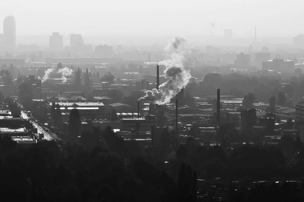 Industrielandschaft im Dunst