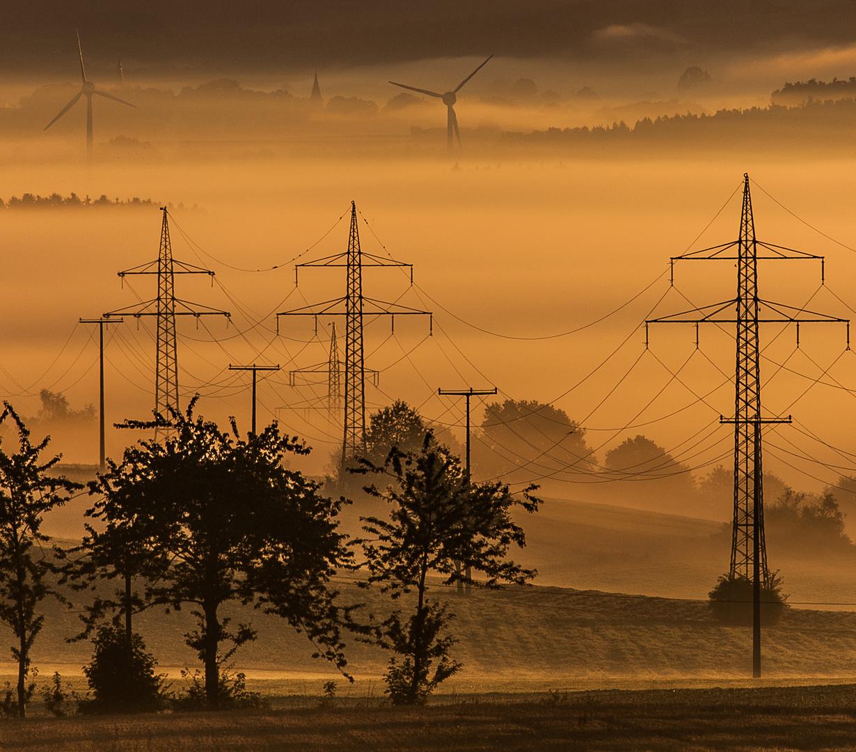 Industrielandschaft im Sonnenaufgang