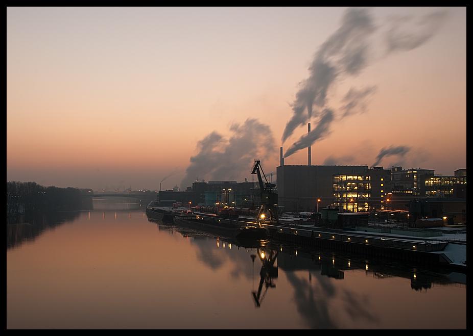 Industriepark Höchst in winterlicher Abendsonne (3)