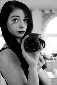 Inez_Layila