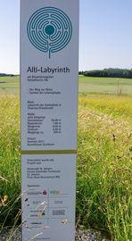 Informationstafel zum Labyrinth