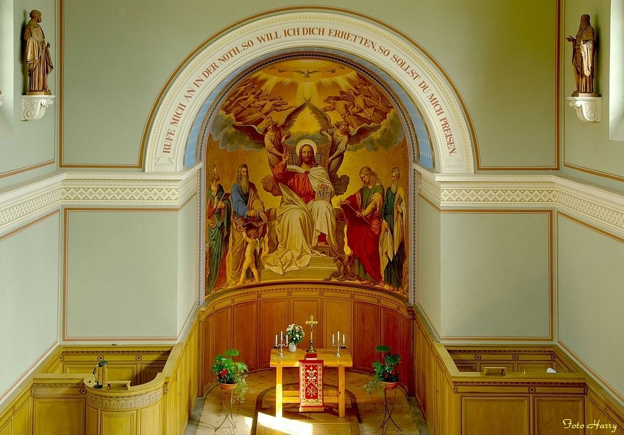 Innenansicht der Heilandskirche im Park Sacro .....