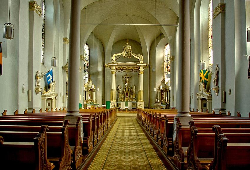 Innenansicht der Kirche Zell / Mosel.