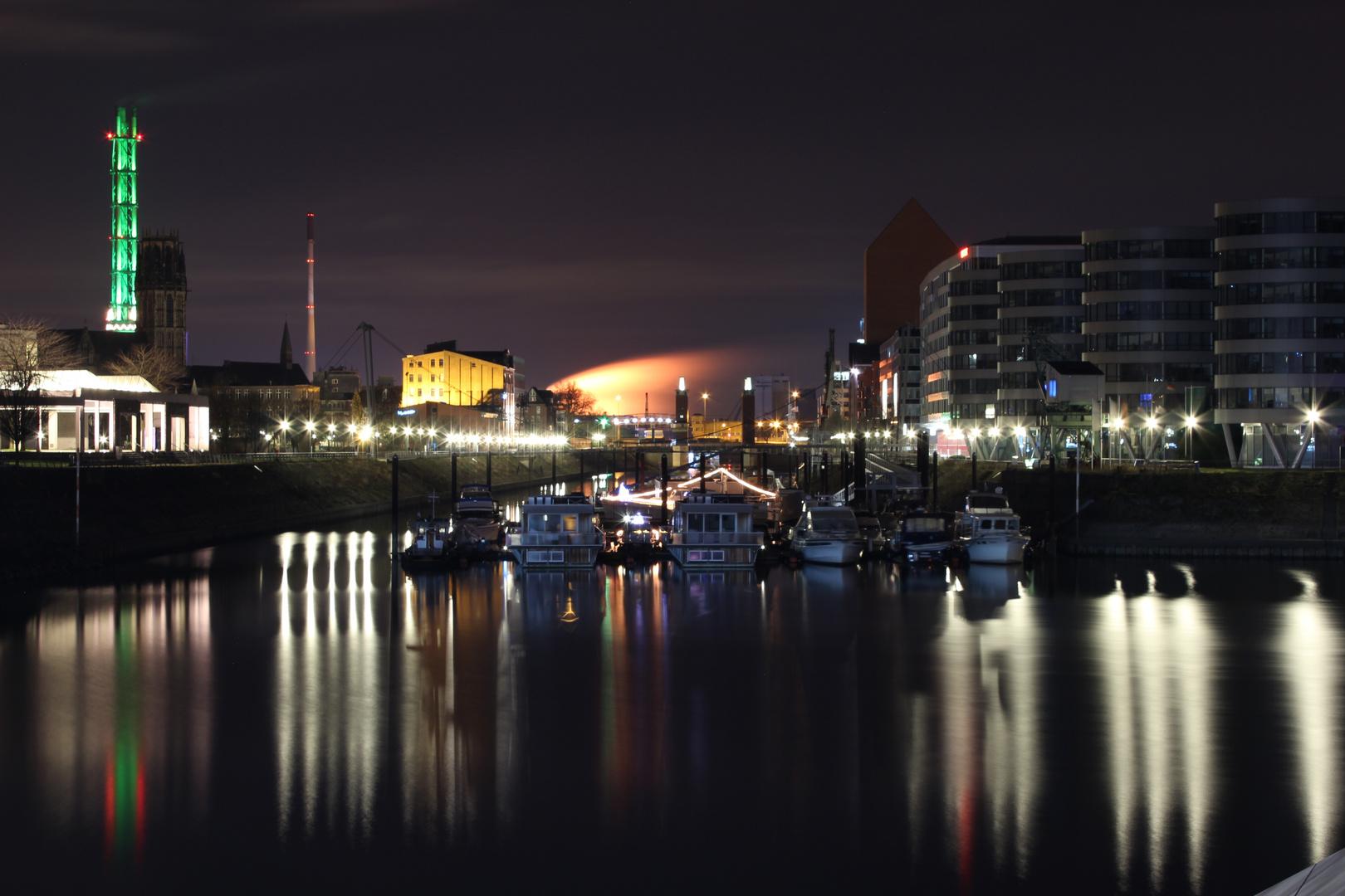 Innenhafen bei Nacht