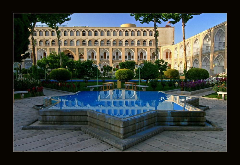 Innenhof des Abbasi Hotels