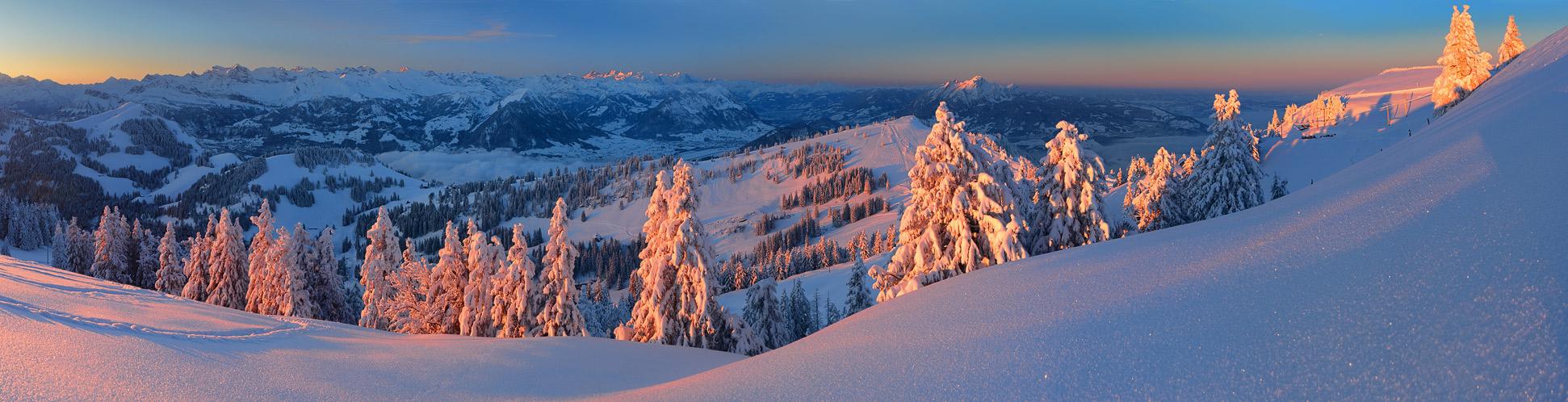 Innerschweizer Morgen (240° Pano)